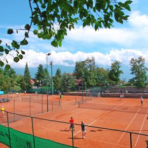 Tennis_tremosine