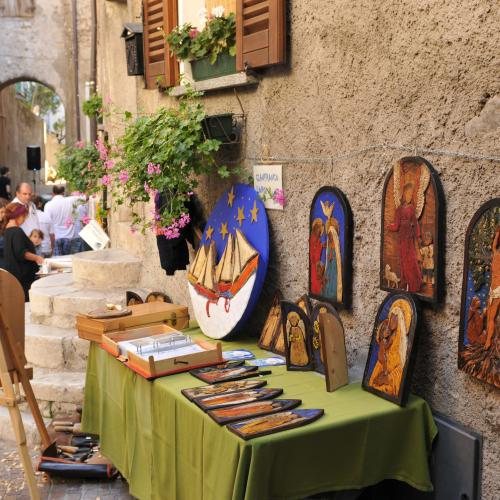 The market in the village of Pieve - Mercatino nel Borgo